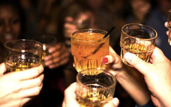 Uống một cốc bia sẽ ra bao nhiêu cồn trong hơi thở và bài học ai cũng cần hiểu: Đừng bao giờ lái xe khi đã có hơi men trong người!