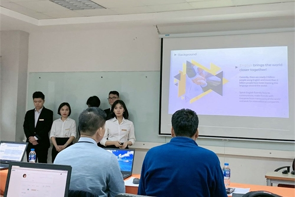 Lấy cảm hứng từ startup Việt được Forbes khen, sinh viên FPT làm phần mềm luyện nghe nói tiếng Anh