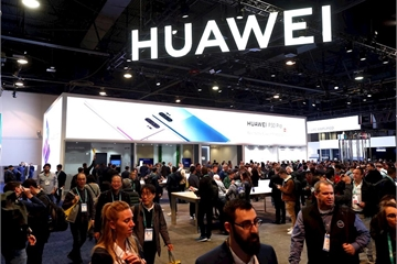 Thượng nghị sỹ muốn cấm Mỹ chia sẻ tình báo với các nước dùng thiết bị 5G Huawei
