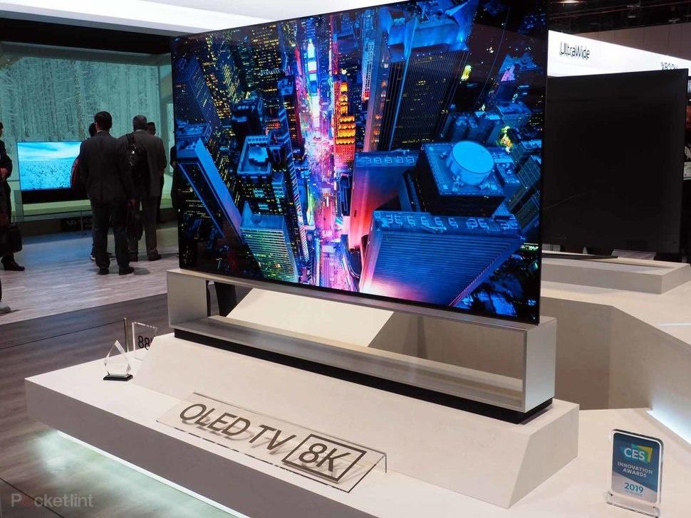 Tai sao mua TV 8K bay gio la phi tien? hinh anh 1 Z10710012020.jpg