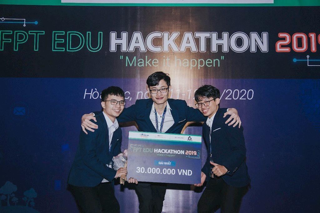 Sinh viên FPT Edu làm game mobile hướng dẫn phân loại rác   Game hướng dẫn phân loại rác của sinh viên giành giải Nhất cuộc thi FPT Edu Hackathon