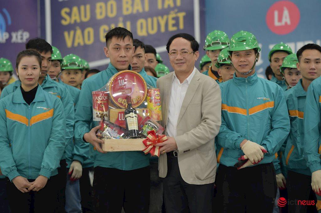 ViettelPost, VietnamPost phải là 2 đơn vị nòng cốt giữ thị phần bưu chính trong nước | Bộ TT&TT muốn ViettelPost, VietnamPost tham gia xây Đề án phát triển thương mại điện tử quốc gia