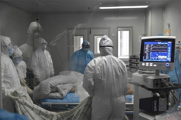 Số ca nhiễm virus corona tăng vọt, 304 người chết