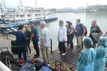 300.000 người Hạ Long phải khai báo y tế vì virus corona