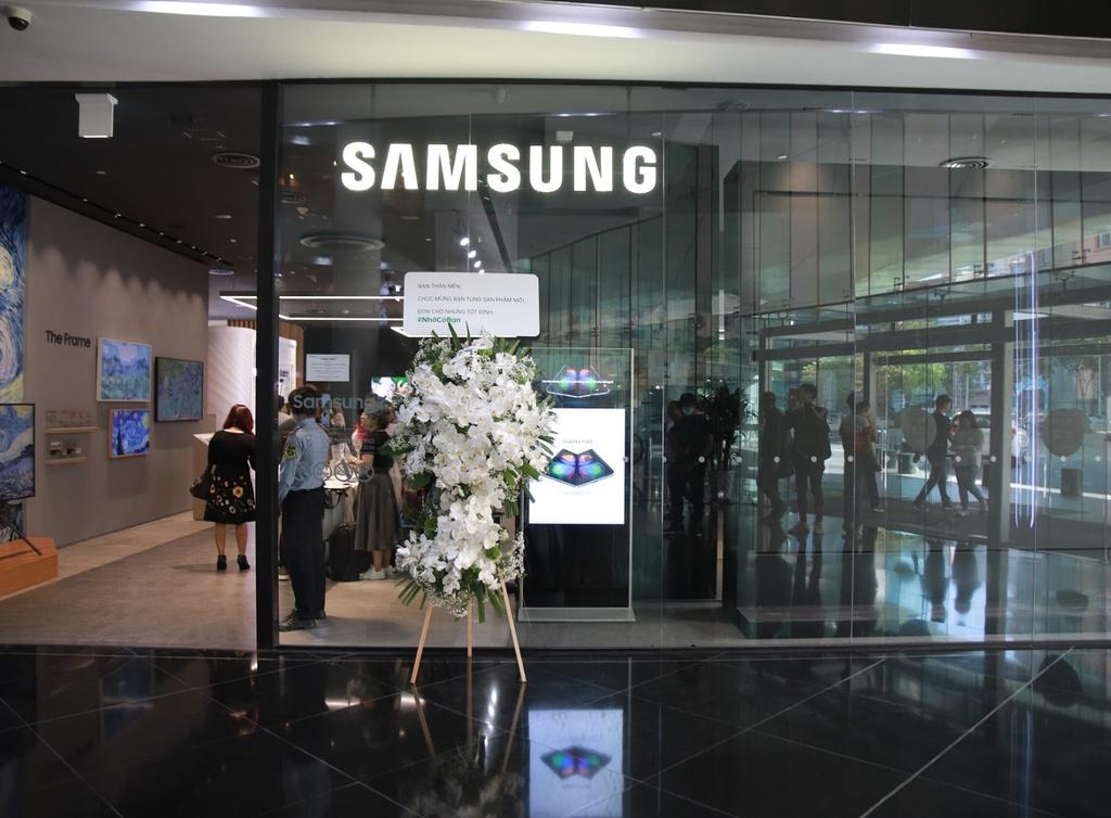 Oppo gui hoa mung Samsung o Viet Nam nhan ngay ra mat Galaxy S20 hinh anh 2 Screenshot_21.jpg