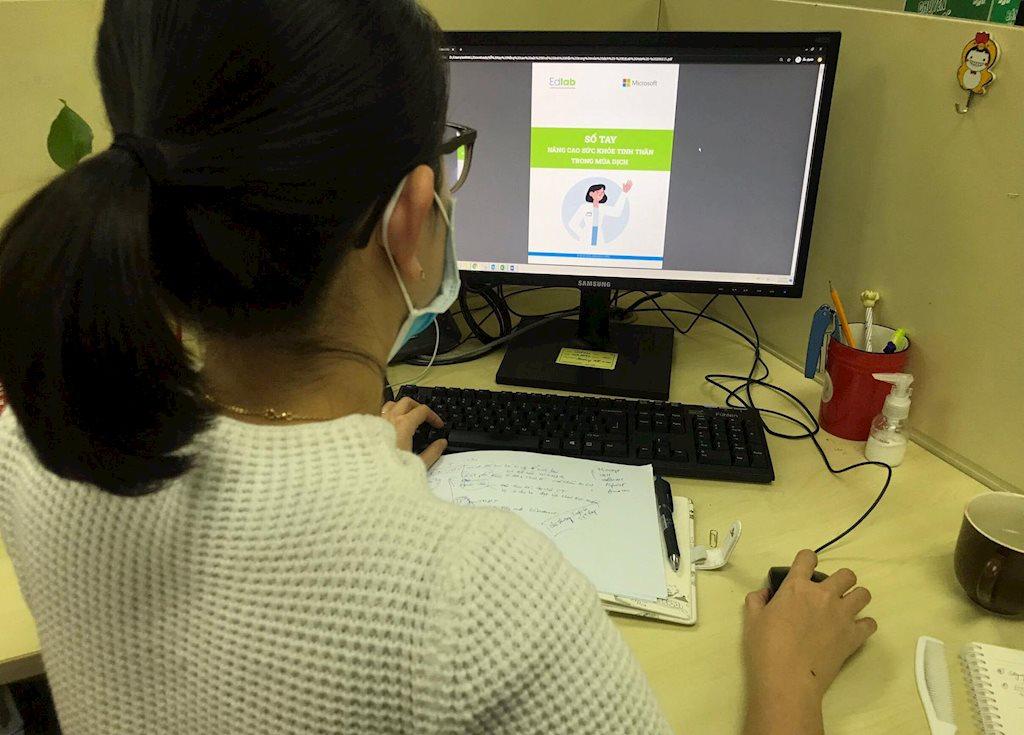 Cựu sinh viên FPT Edu phát hành miễn phí cẩm nang tâm lý mùa dịch Covid-19 | Cựu sinh viên công nghệ làm cẩm nang tâm lý mùa dịch Covid-19 phát miễn phí cho người dùng