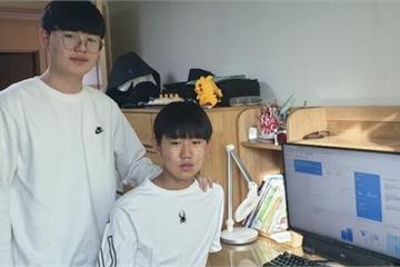 Nam sinh cấp 2 thiết kế website về dịch corona cho người Hàn