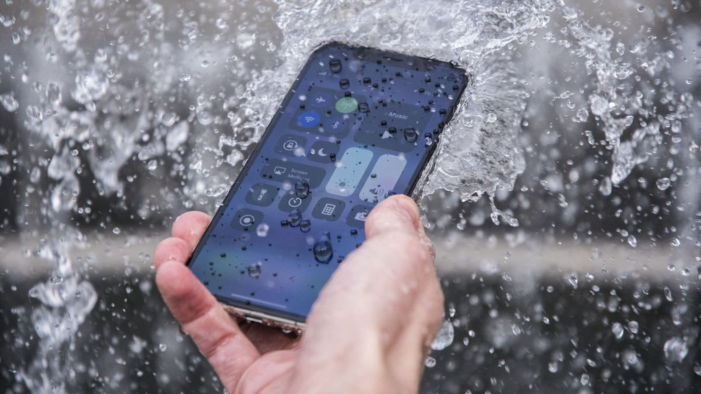 Nhung quan niem sai lam cua nguoi dung smartphone hinh anh 5 Z20522032020.jpg