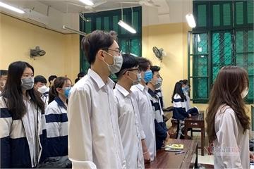Những học sinh đầu tiên trở lại trường sau đợt nghỉ Covid-19