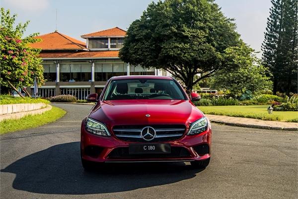 Mercedes – Benz tung xe sang C 180 giá rẻ 1,4 tỷ đồng