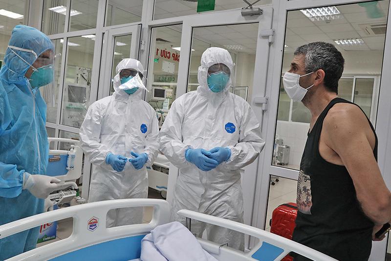Bên trong phòng cách ly đặc biệt điều trị bệnh nhân Covid-19