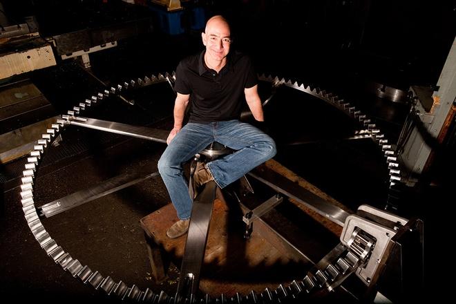 Chiec dong ho khong lo trong nui cua ty phu Jeff Bezos hinh anh 1 Jeff_Bezos_10000_Year_Clock.jpg