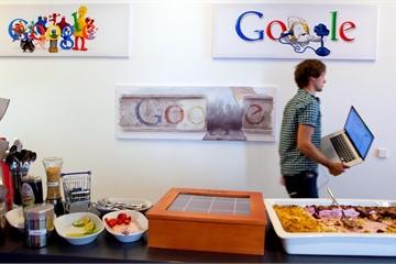 Facebook, Google cho nhân viên làm việc ở nhà hết năm nay