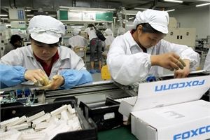 Lợi nhuận nhà máy lắp ráp iPhone lớn nhất thế giới giảm 'sốc'