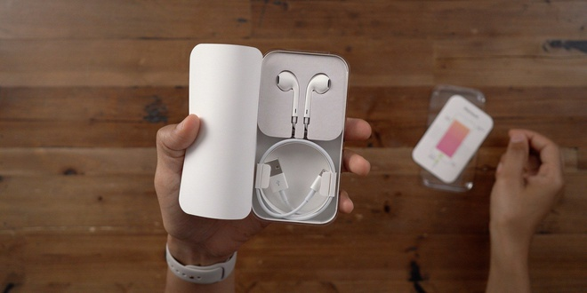 Apple dung chieu de ep nguoi dung mua AirPods hinh anh 1 EarPods_9to5mac.jpg