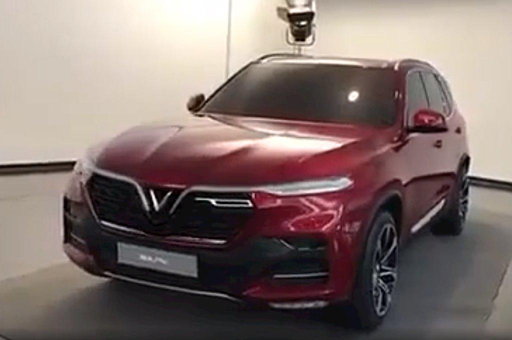 Bất ngờ xuất hiện hình ảnh thực tế xe hơi gắn logo Vinfast của tỷ phú Phạm Nhật Vượng - ảnh 2
