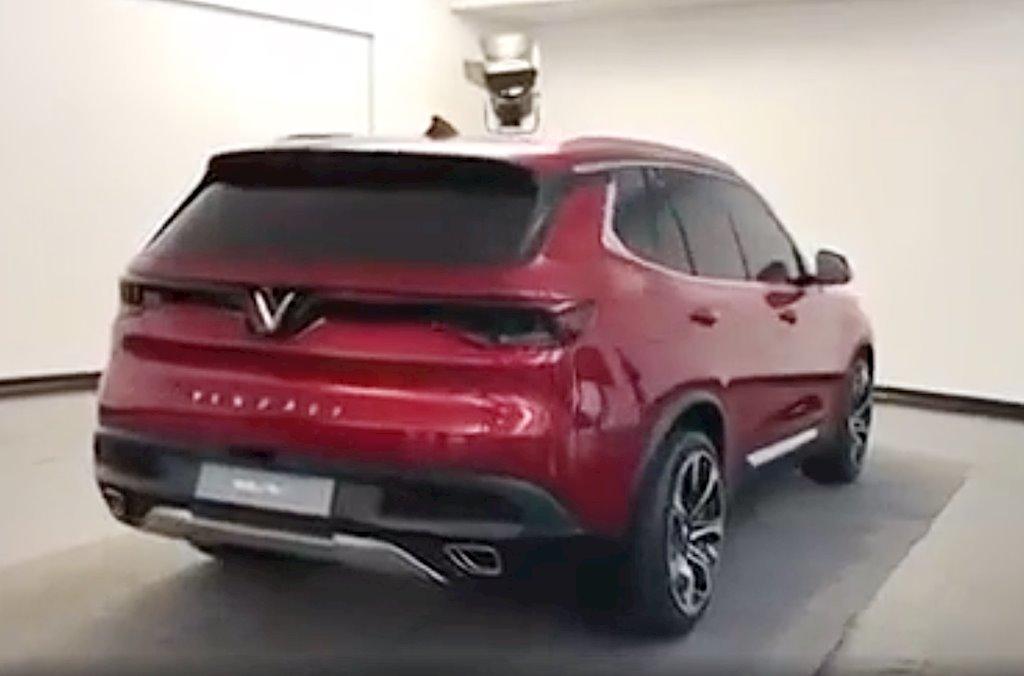 Bất ngờ xuất hiện hình ảnh thực tế xe hơi gắn logo Vinfast của tỷ phú Phạm Nhật Vượng - ảnh 3