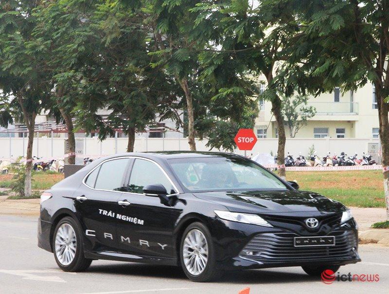 Toyota Camry 2019 ra mắt thị trường Việt, chốt giá rẻ bất ngờ - ảnh 2