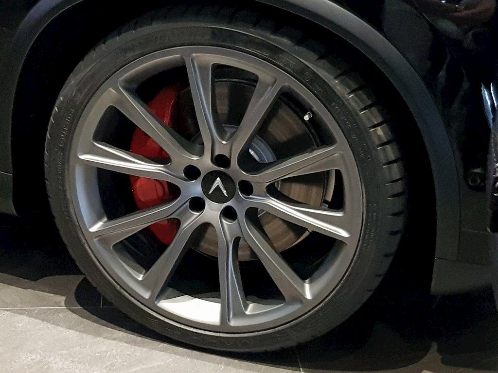 VinFast bất ngờ đưa xe SUV Lux V8 về Việt Nam - ảnh 5