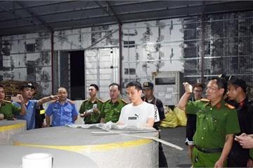 Xuất lậu hàng nghìn tấn quặng 'đội lốt' giấy cuộn