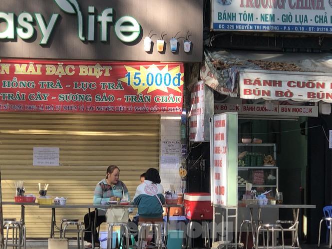 """Cà phê, quán ăn ở TPHCM """"nhảy giá"""" đuổi không hết khách - ảnh 2"""
