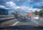 Pha đánh lái kinh điển tránh tai nạn liên hoàn