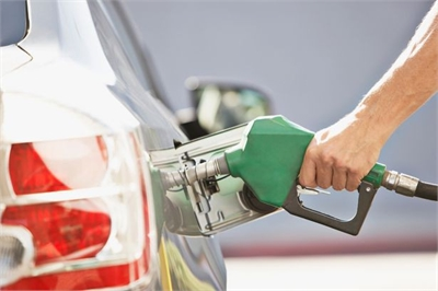 Cần xử lý thế nào khi đổ nhầm dầu diesel vào xe chạy xăng?