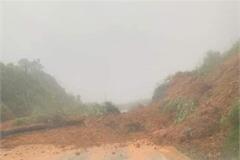 Mưa lớn nhiều ngày ở Khánh Hòa: 1 người mất tích, sơ tán hơn 1.700 người dân, quốc lộ 27C ách tắc vì sạt lở đất