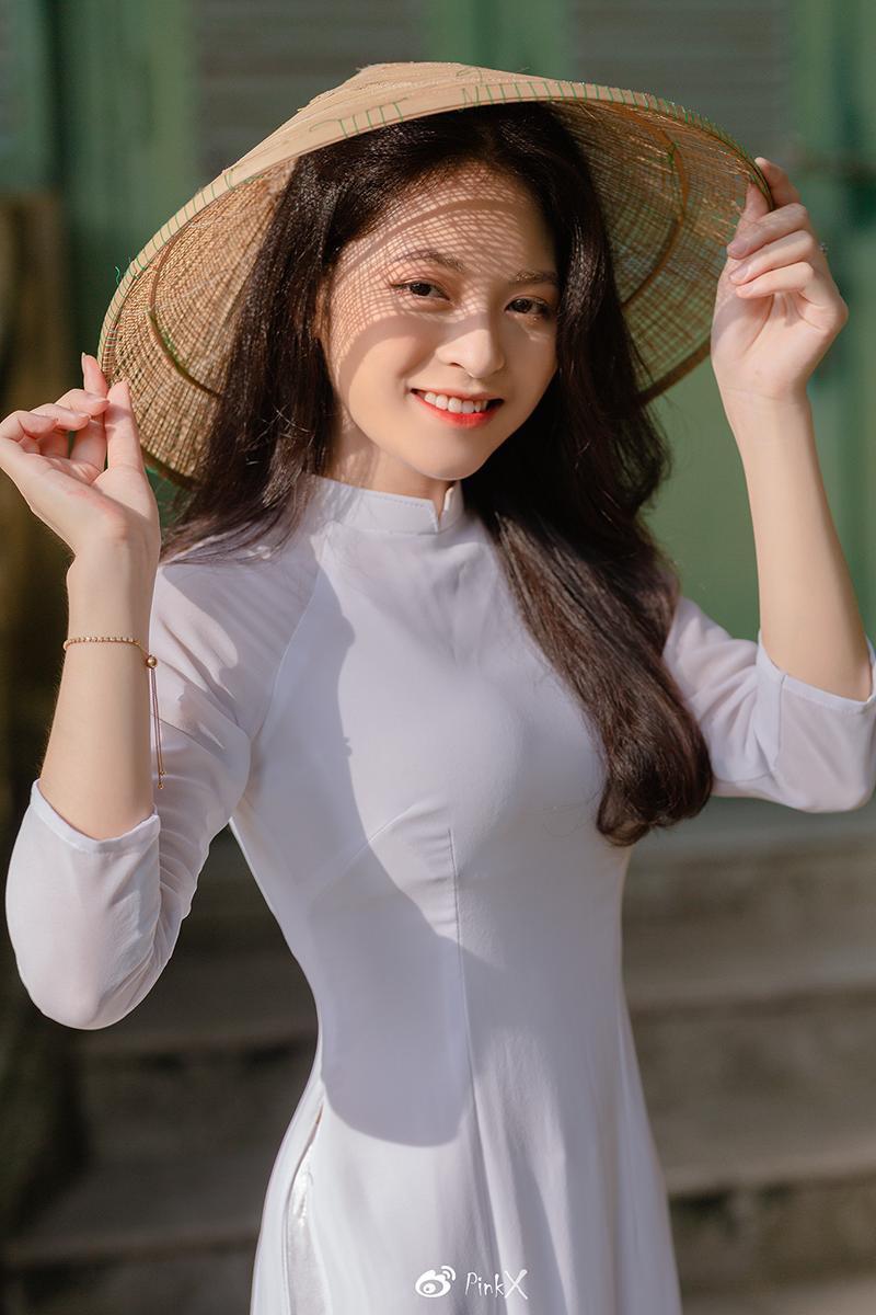 Hoa khôi trường Y sở hữu vẻ đẹp ngọt ngào 'gây thương nhớ' trong tà áo dài ảnh 5