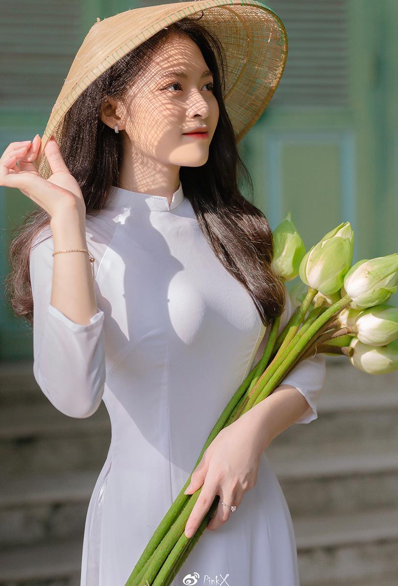 Hoa khôi trường Y sở hữu vẻ đẹp ngọt ngào 'gây thương nhớ' trong tà áo dài ảnh 4