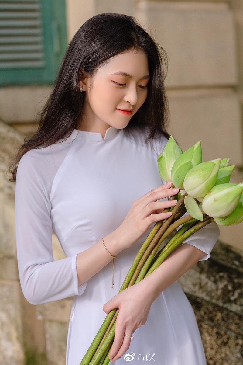 Hoa khôi trường Y sở hữu vẻ đẹp ngọt ngào 'gây thương nhớ' trong tà áo dài ảnh 6