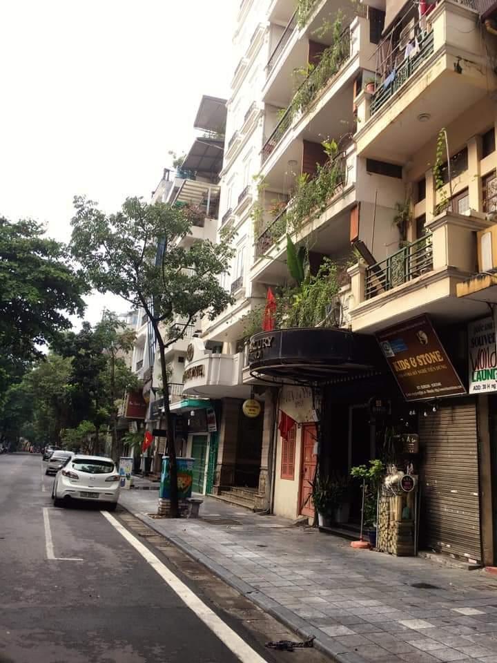 Giữa mùa dịch khách sạn phố cổ Hà Nội rao bán gần 2 tỷ đồng/m2 ảnh 1