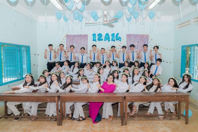 Từ 'chàng shipper quán nước' đến thủ khoa khối C00 tỉnh Bình Thuận ảnh 2