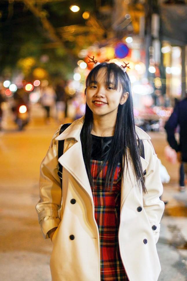 Nữ sinh 10X Phú Yên thành thạo 5 ngoại ngữ ảnh 2