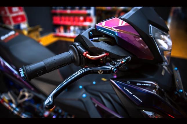 Honda Winner gắn loạt đồ chơi hàng hiệu của biker Đà Nẵng ảnh 7