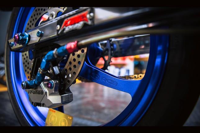 Honda Winner gắn loạt đồ chơi hàng hiệu của biker Đà Nẵng ảnh 12
