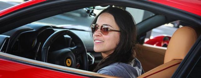 Loạt xe ấn tượng của dàn diễn viên chính 'Fast and Furious 9' ảnh 4