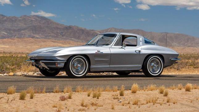 Loạt xe ấn tượng của dàn diễn viên chính 'Fast and Furious 9' ảnh 3