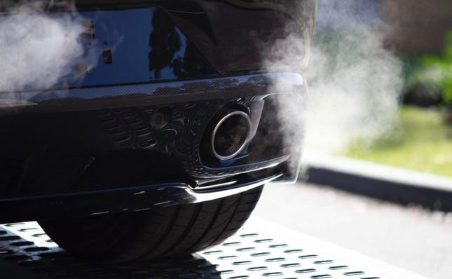 5 dấu hiệu báo ống xả ô tô bị nứt và cách khắc phục ảnh 1