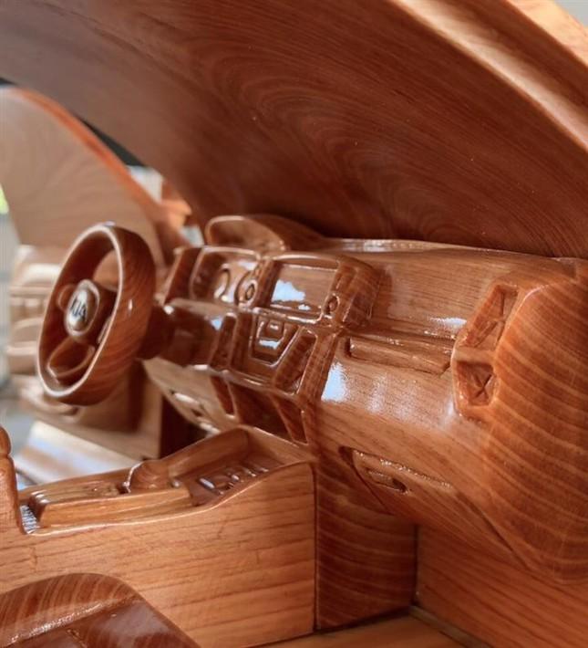 Mô hình Kia Sorento bằng gỗ độc đáo của thợ Việt ảnh 3