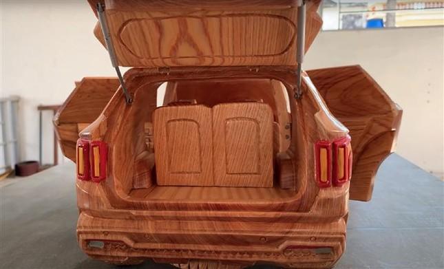 Mô hình Kia Sorento bằng gỗ độc đáo của thợ Việt ảnh 2
