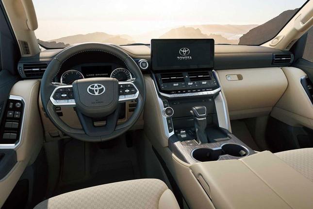 Đại lý hét chênh 400 triệu cho suất mua Toyota Land Cruiser mới ảnh 1