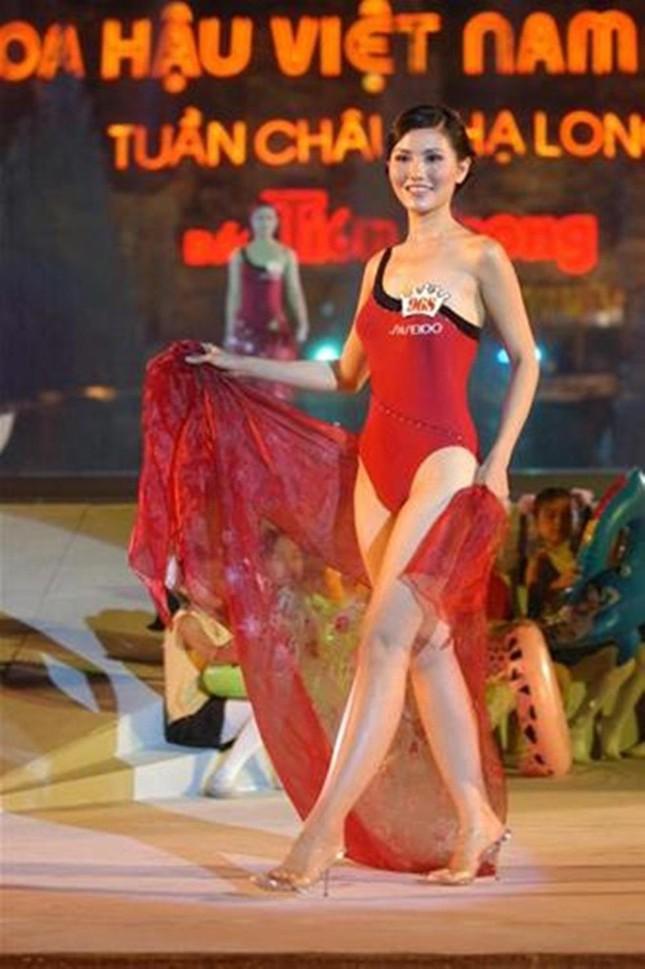 Top 3 HHVN 2004: Nguyễn Thị Huyền gợi cảm ở tuổi 36, Trịnh Chân Trân đóng phim Hollywood ảnh 5