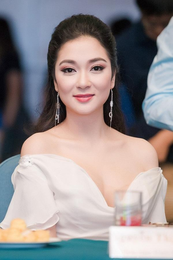 Top 3 HHVN 2004: Nguyễn Thị Huyền gợi cảm ở tuổi 36, Trịnh Chân Trân đóng phim Hollywood ảnh 4
