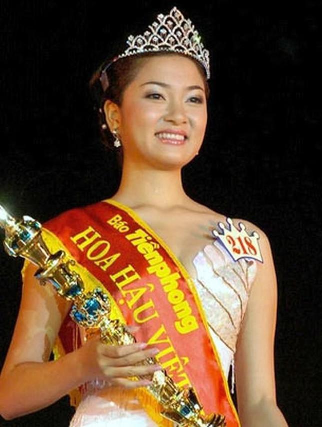 Top 3 HHVN 2004: Nguyễn Thị Huyền gợi cảm ở tuổi 36, Trịnh Chân Trân đóng phim Hollywood ảnh 1