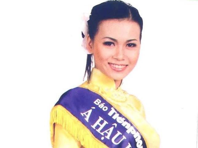 Top 3 HHVN 2004: Nguyễn Thị Huyền gợi cảm ở tuổi 36, Trịnh Chân Trân đóng phim Hollywood ảnh 8