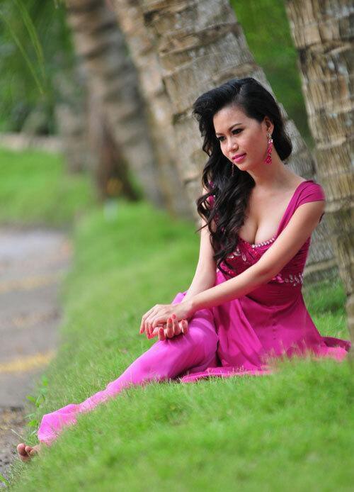 Top 3 HHVN 2004: Nguyễn Thị Huyền gợi cảm ở tuổi 36, Trịnh Chân Trân đóng phim Hollywood ảnh 9