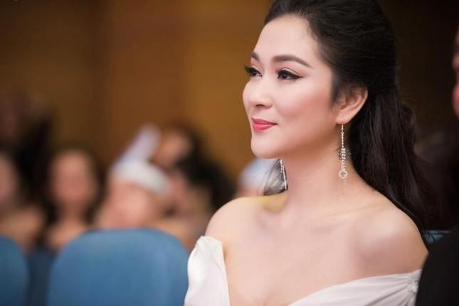 Top 3 HHVN 2004: Nguyễn Thị Huyền gợi cảm ở tuổi 36, Trịnh Chân Trân đóng phim Hollywood ảnh 3