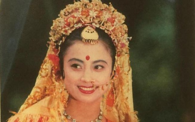 Mỹ nhân đẹp nhất nhì 'Tây du ký' 1986: Làm mẹ đơn thân sau '2 lần đò', tuổi U60 vẫn đi hát ảnh 2