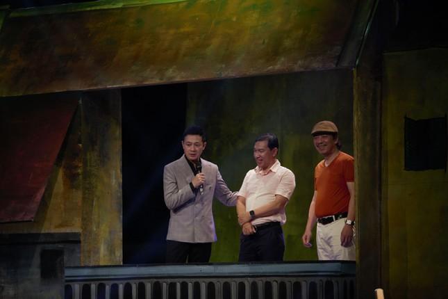 Quang Thắng kể sự cố lỡ miệng về chợ Sắt khiến anh suýt không về được Hải Phòng ảnh 2